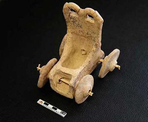 ВТурции отыскали 5000-летний игрушечный автомобиль